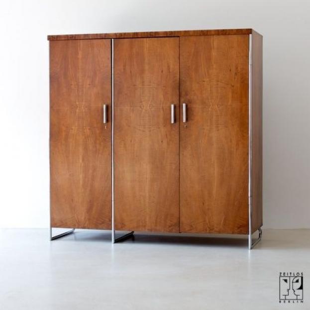 3 Door Bauhaus Wardrobe By Hermann John Hagemann Image 1 Furnituredesigns In 2020 Bauhaus Furniture Bauhaus Interior Art Furniture Design