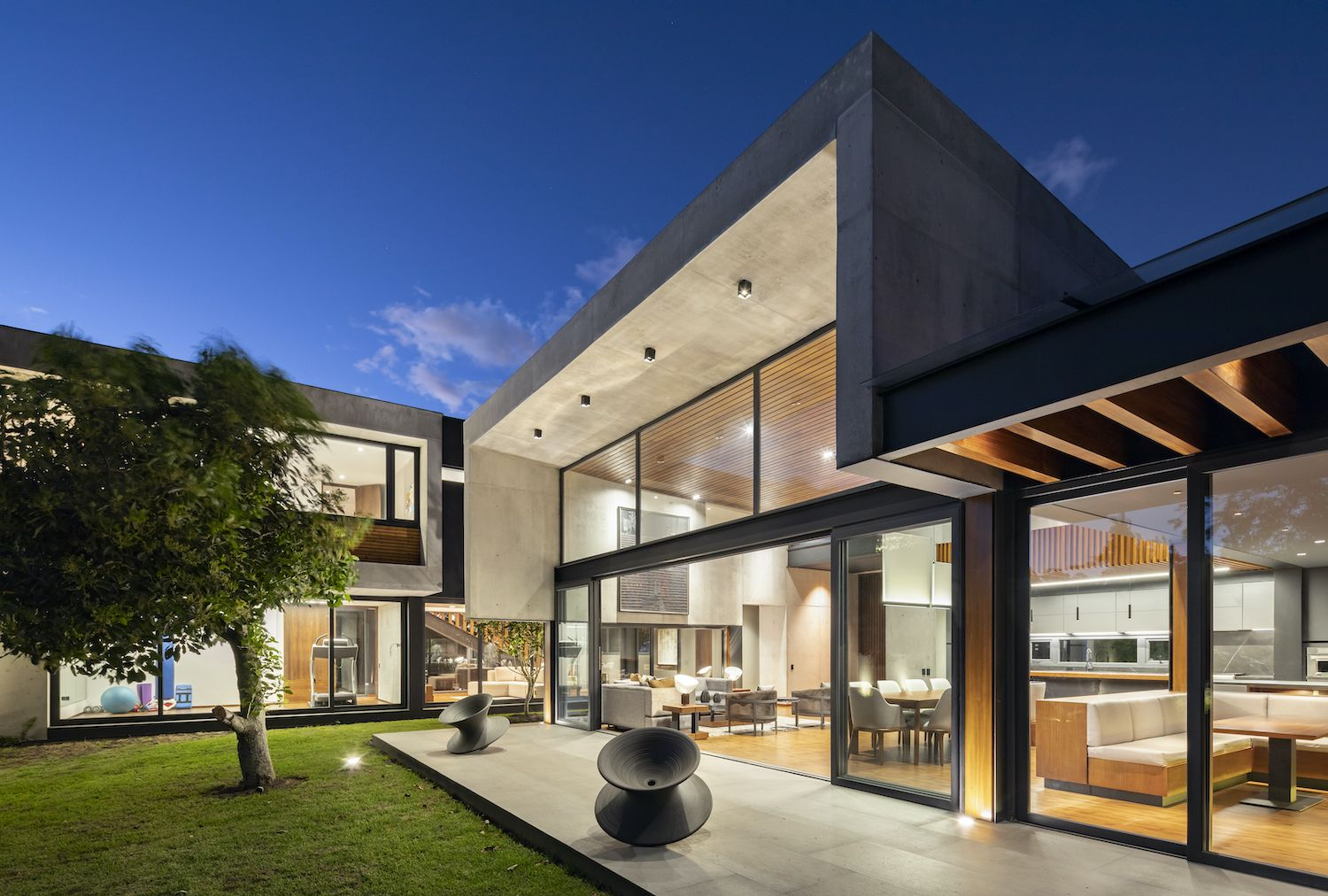 Mezze Residence 2 In Quito Ecuador By Najas Arquitectos In 2020 Architecture Residences Container House Plans