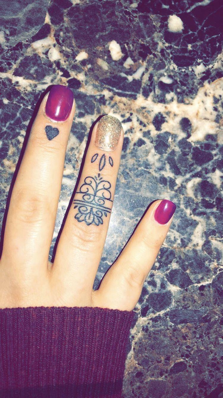 Dainty finger tattoos Dainty tattoos, Finger tattoos
