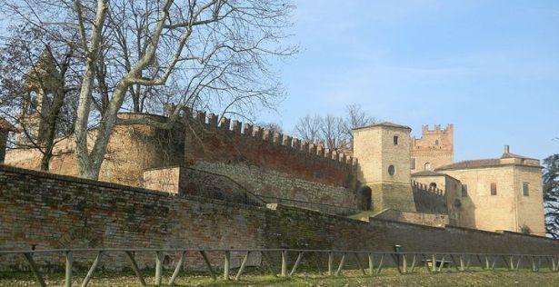 Castle of Montemagno or of the Conti Calvi Di Bergolo | ASTIgiando.it