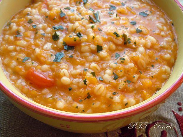 Ricette Orzo Vegetariano.Zuppa Di Orzo E Zucca 2 Ricette Zuppe Light Zuppe Ricette
