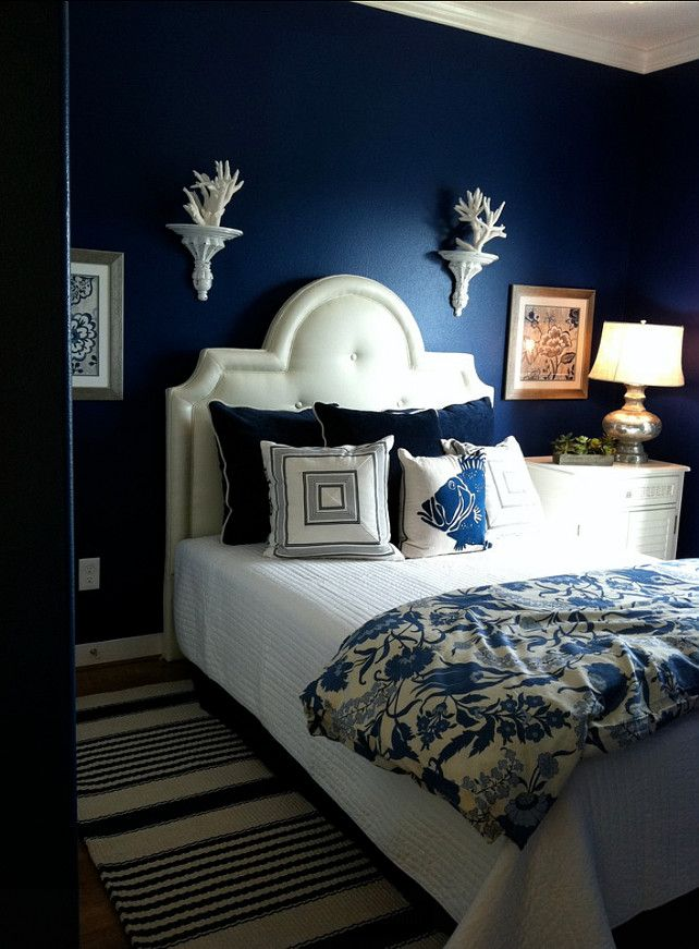 Benjamin Moore Admiral Blue Painted Walls In The Bedroom For A Moody Dreamy Beachy Vibe