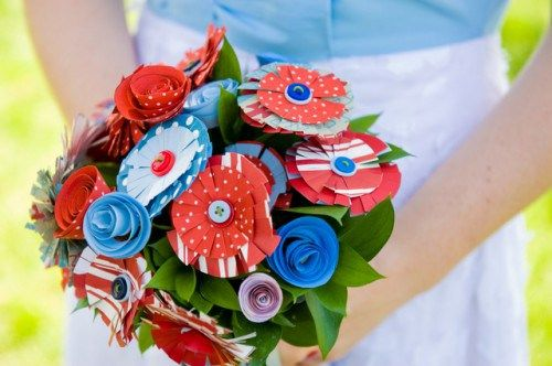 Bookworm Eats Flower is a London-based Etsy shop that makes custom paper flower bouquets (along with decor, hair accessories and boutonnieres). And the great thing about these bouquets is, well, th…