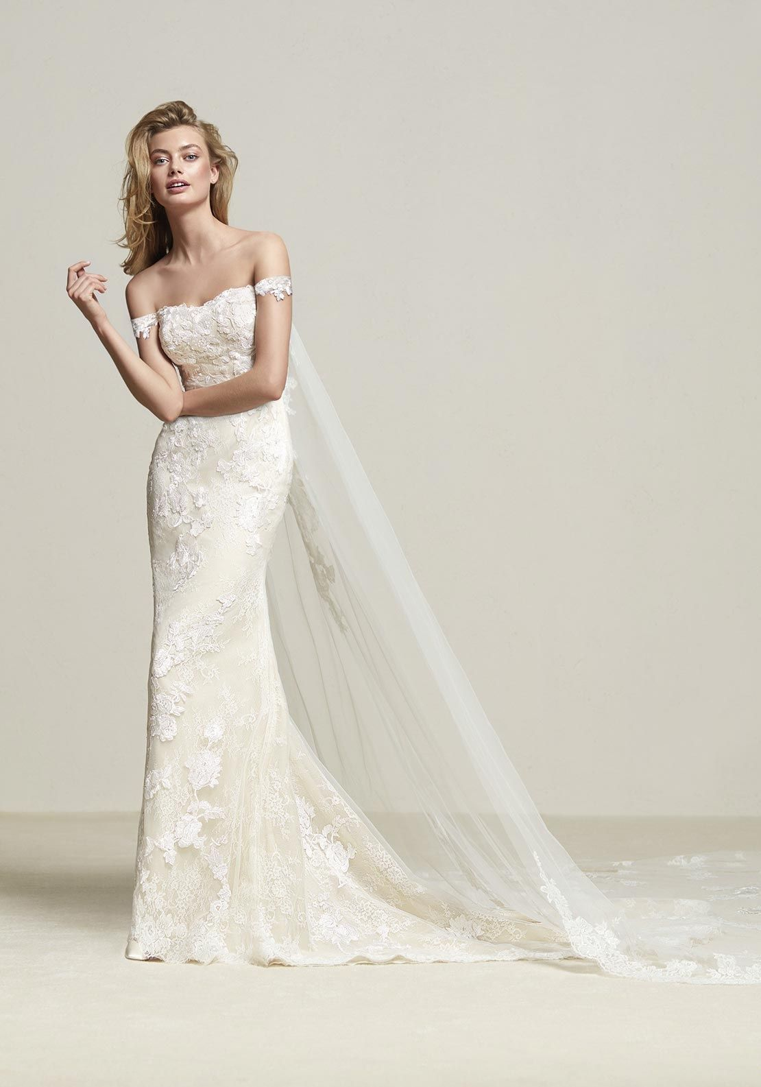 Pronovias Dria Wedding Dress Off White Lace Weddings Wedding