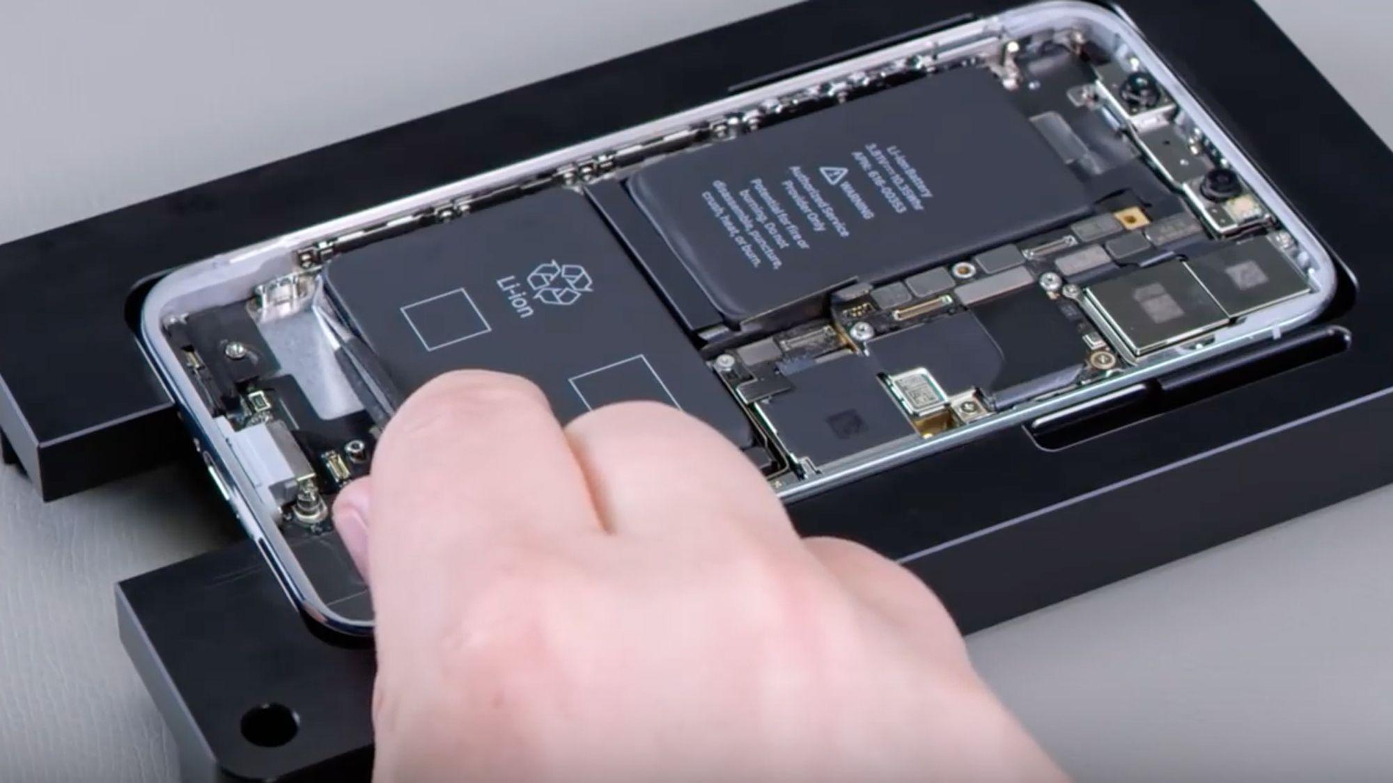 Iphone Xr Repairs At Phonebeats Iphone Screen Repair Screen Repair Repair Videos