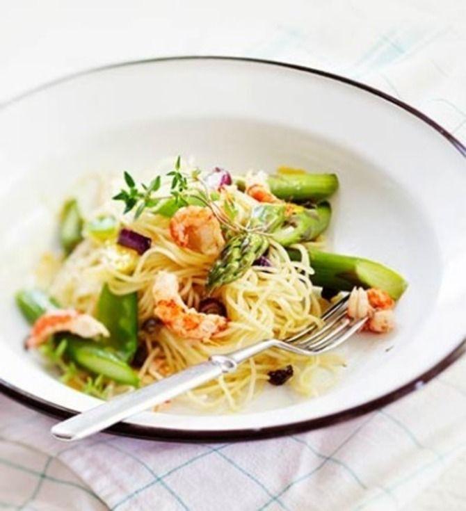 Parsaa, jättikatkarapuja ja spagettia