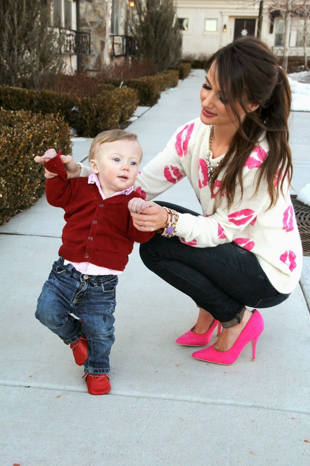 Kiss Me Darling: Kiss Me, Darling Valentines Outfit, Lips Sweater, Pink  Heels
