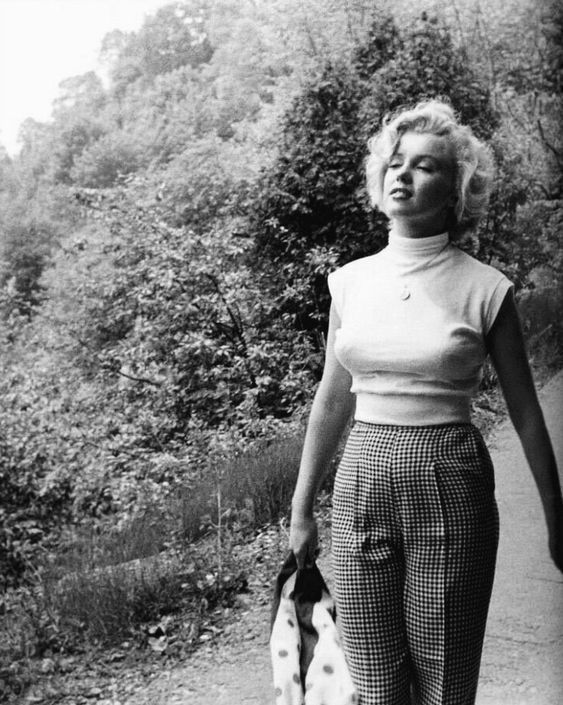 Photo of Marilyn Monroe – Classic Hollywood Central