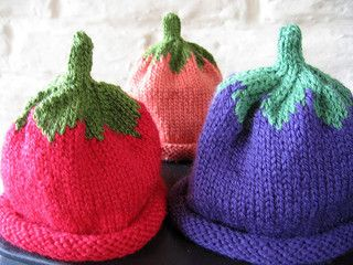This pattern is an adaption of the Umbilical Cord Hat from Stitch  N Bitch   The Knitter s Handbook. 7443167aaf8d