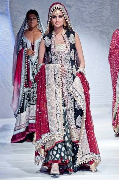 Pakistani Bridal Dresses 2012 By Zainab Sajid In Pfw Collection Pakistan Fashion Week Pakistani Bridal Dresses Pakistan Fashion