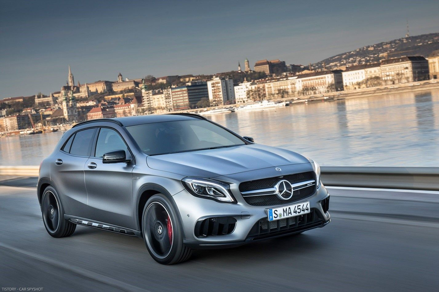 Mercedes Benz Gla Class Highlights Specifications Overview S