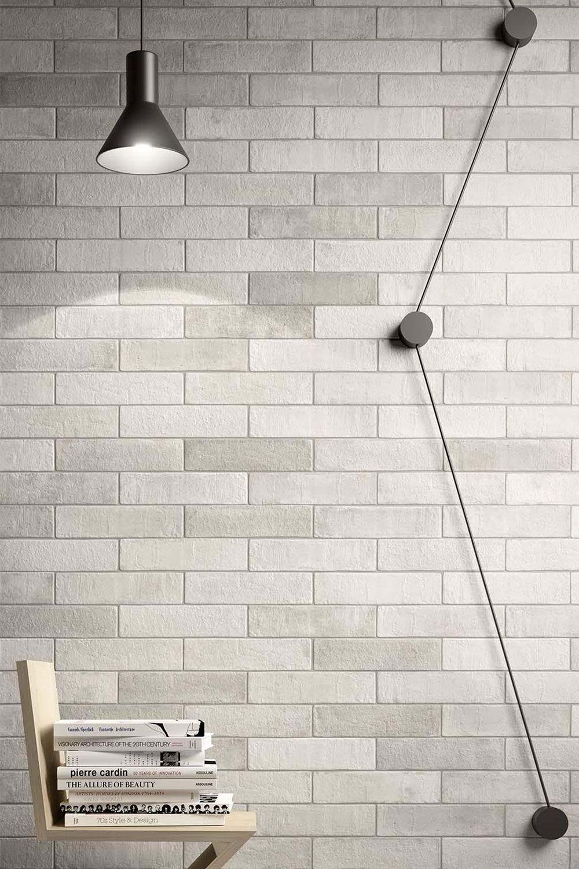 Eine Steinmauer An Der Wand Lasst Sich Mit Fliesen Ganz Einfach
