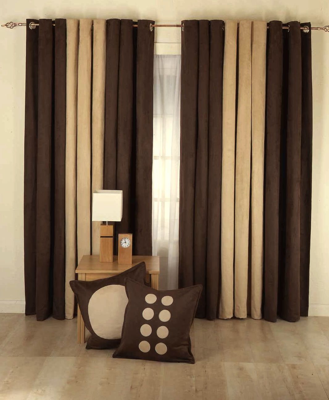 Brown curtains in bedroom - Top Dreamer Choose For You Modern Living Room Curtains Design Which Are In Different Colors And With Chic Patterns Look At The Gallery And Choose Your