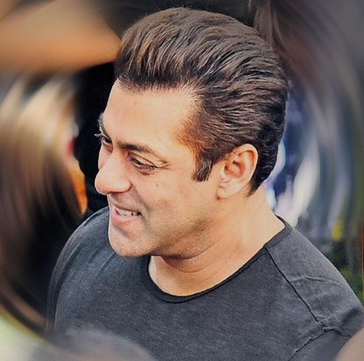 Salman Khan In 2019 Short Thin Hair Short Hair Styles