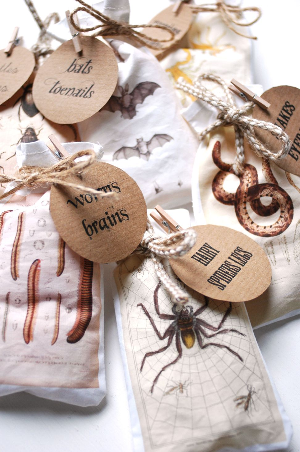 Make these Halloween bags to have the best treats in the