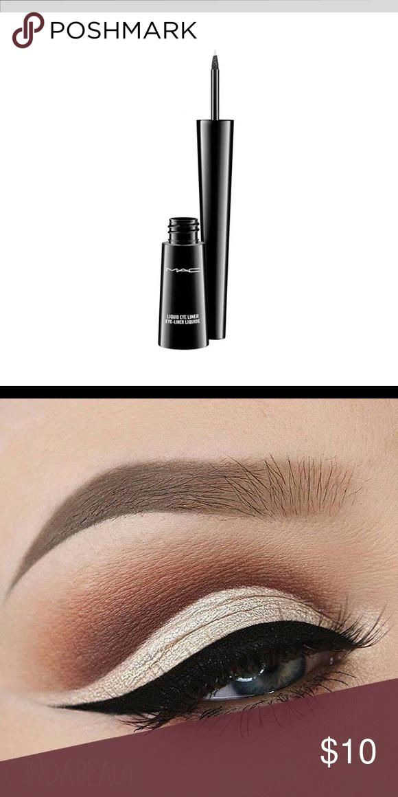Flori Roberts Liquid eyeliner, Eyeliner, Black boots