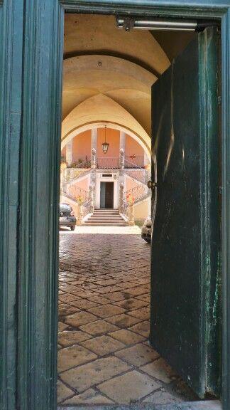 Oltre la porta... un mondo. Ragusa Ibla