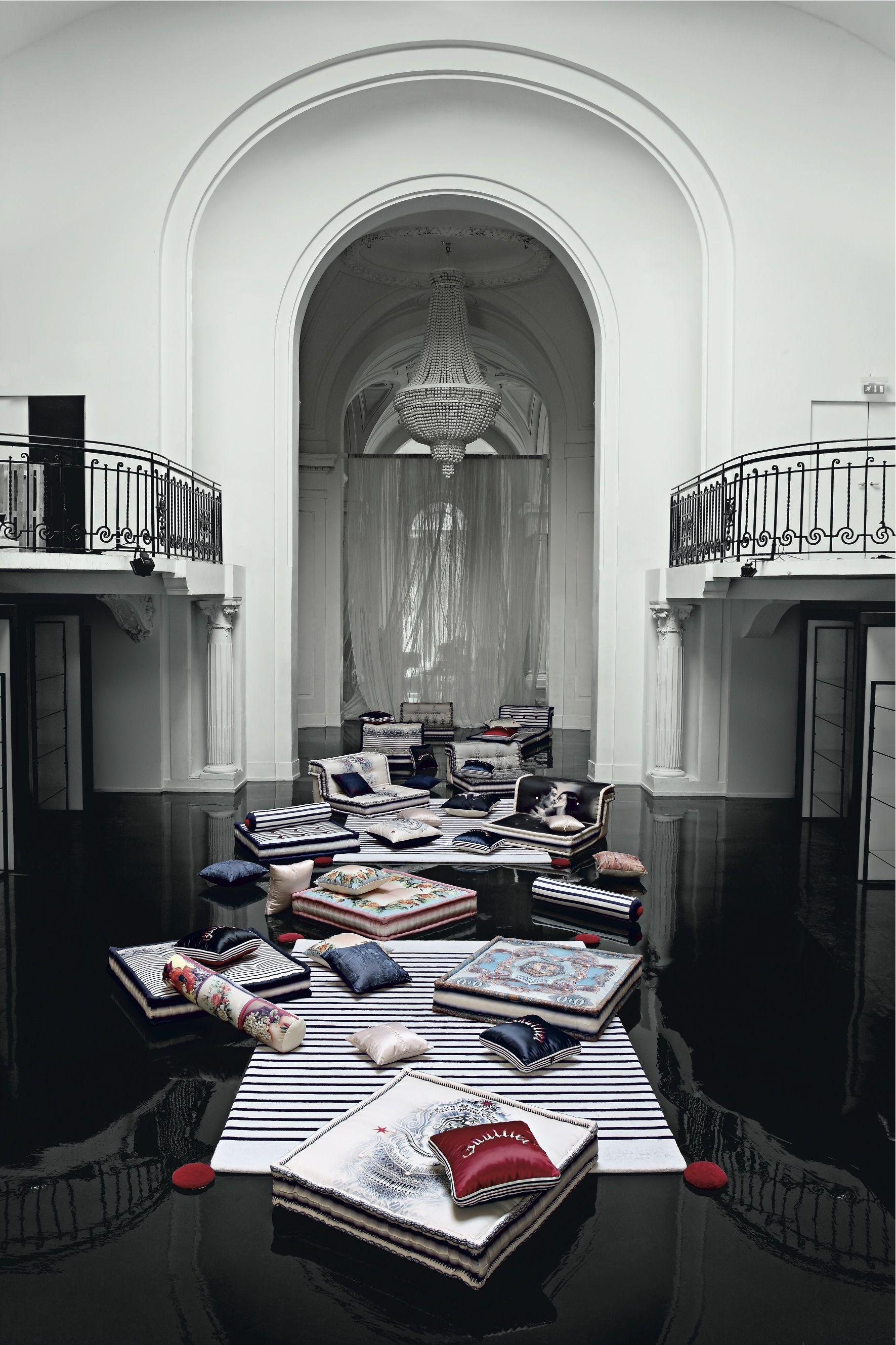 Roche Bobois Mah Jong Dressed By Jean Paul Gaultier Mahjong Jeanpaulgaultier Rochebobois Mah Jong Sofa Sectional Sofa With Recliner Modern Loft