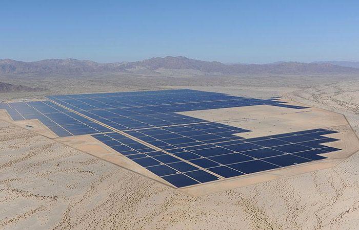 Worlds Largest Solar Plant Goes Online Using 9 Million Solar Panels Solar Solar Power Plant Solar Panels