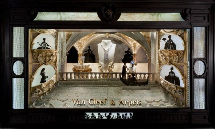 Laser Cutting Shop's window display for Van Cleef and Arpels' Holiday 2011
