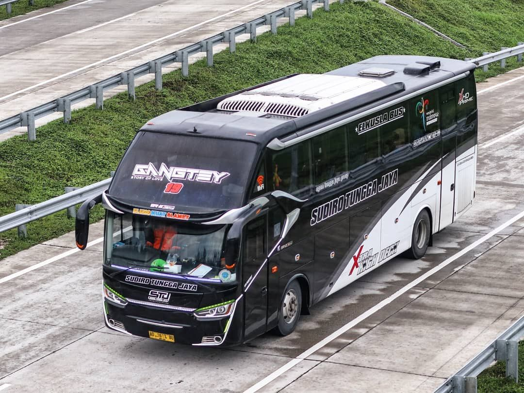Sudiro Tungga Jaya Gangtey Executive Class Eleng Kuat Slamet Sr2 Xhd Prime By Laksana Hino Mobil Modifikasi Mobil Indonesia