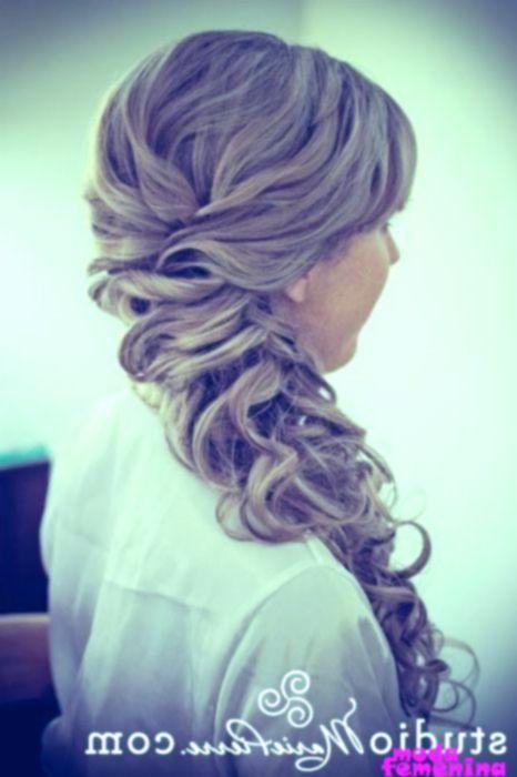 16 gran prom hairstyles las manos de las niñas