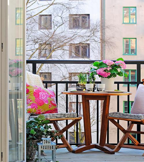 Decoraci n de terrazas peque as y acogedoras balcones for Decoracion de casas acogedoras