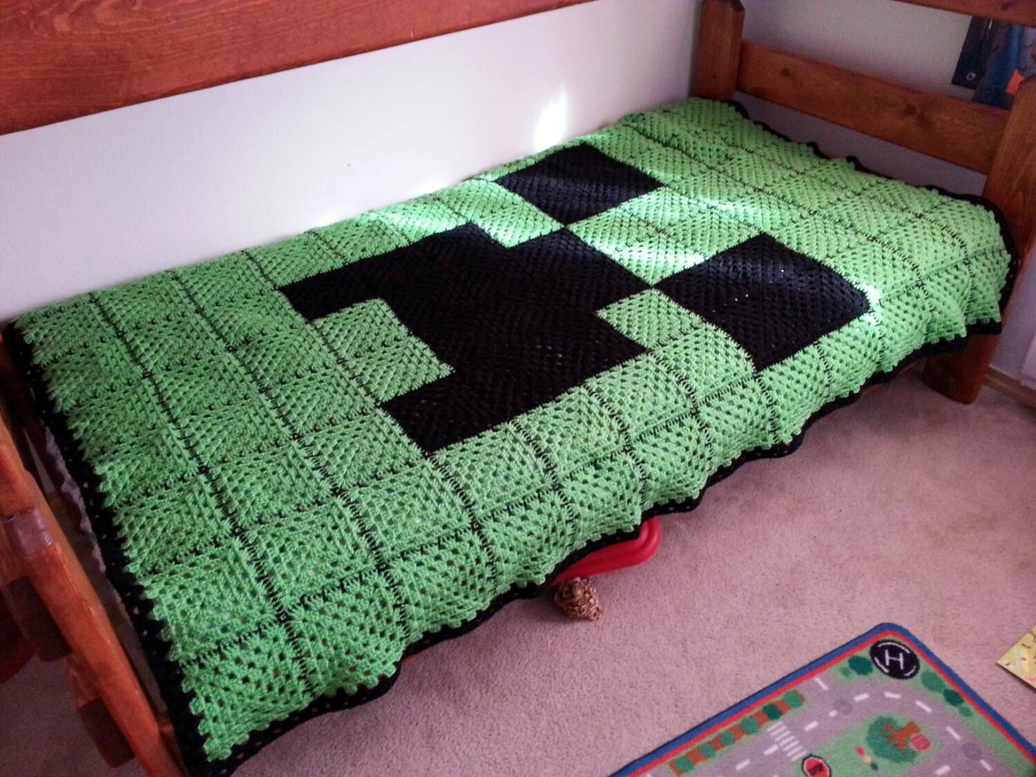 Crocheted Green and Black Creeper Face Minecraft-Inspired Twin-Size ...