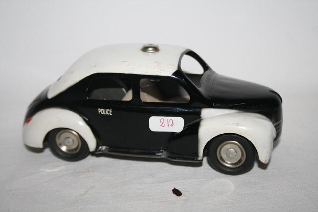 Ventes Aux Encheres A Narbonne Le Monde Du Jouet Voiture Miniature Jouet Jouets Vintage