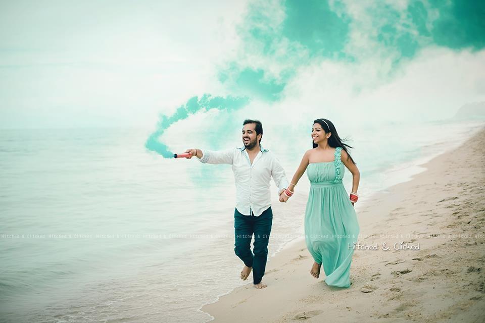 The new pre-wedding shoot must-have: smoke sticks! | Wedding shoot ...