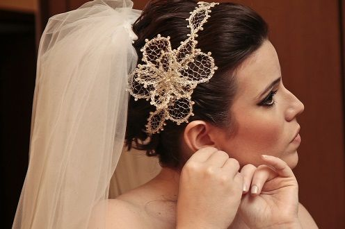 Acessório de cabelo, grinalda ou simplesmente tiara para noivas lindas - criação brasileira