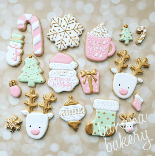 25 Christmas Sugar Cookie Tutorials and Inspiration! - Queens Cake Creations #sugarcookies