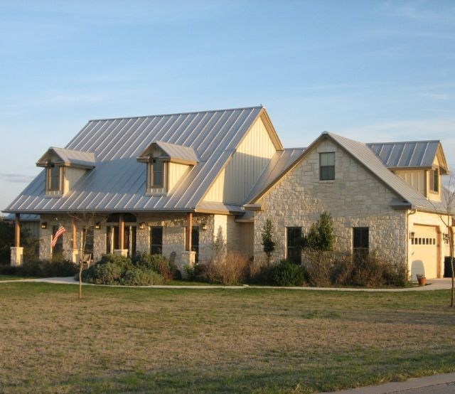Lovely Limestone House Ranch Style Homes Country Home Exteriors