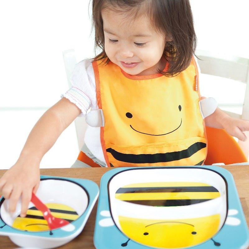 Conjunto de vajilla y cubiertos infantiles ideales para las primeras comidas de los peques con una simpática abeja - Minimoi