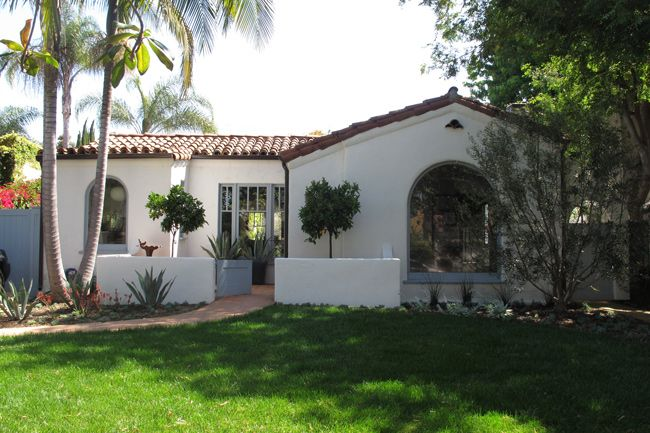 Spanish Style Hacienda Feel Tiled Room Smooth White Stucco Palms BungalowSpanish HomesSpanish