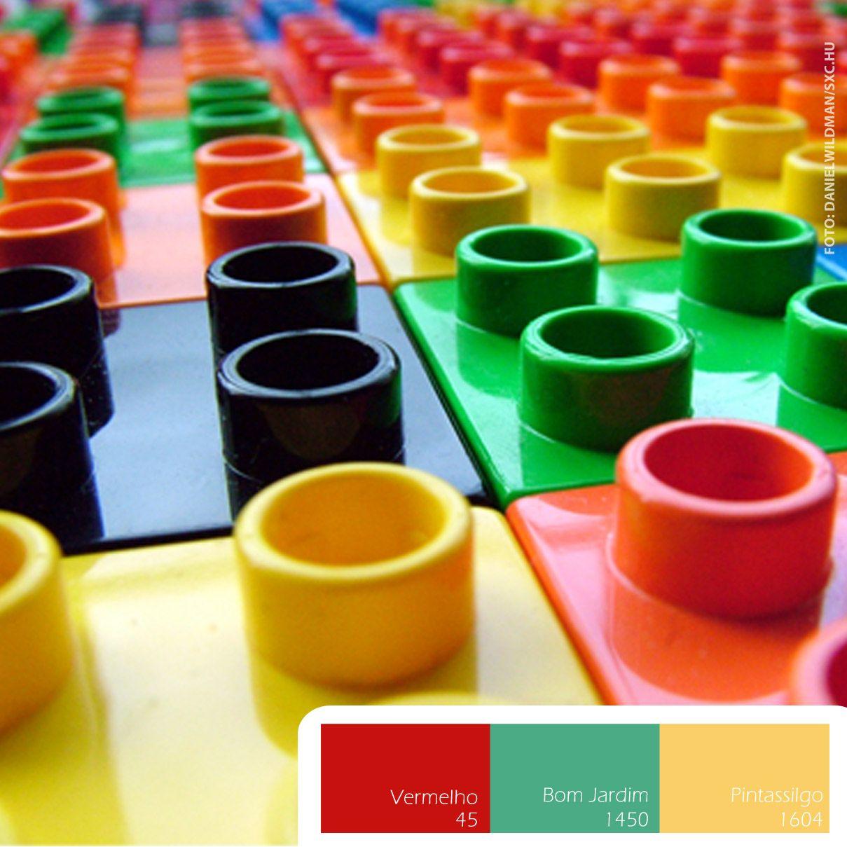 Quem sente saudades das cores vivas de um dos brinquedos mais divertidos da infância? #Conectar #Colors #Lego