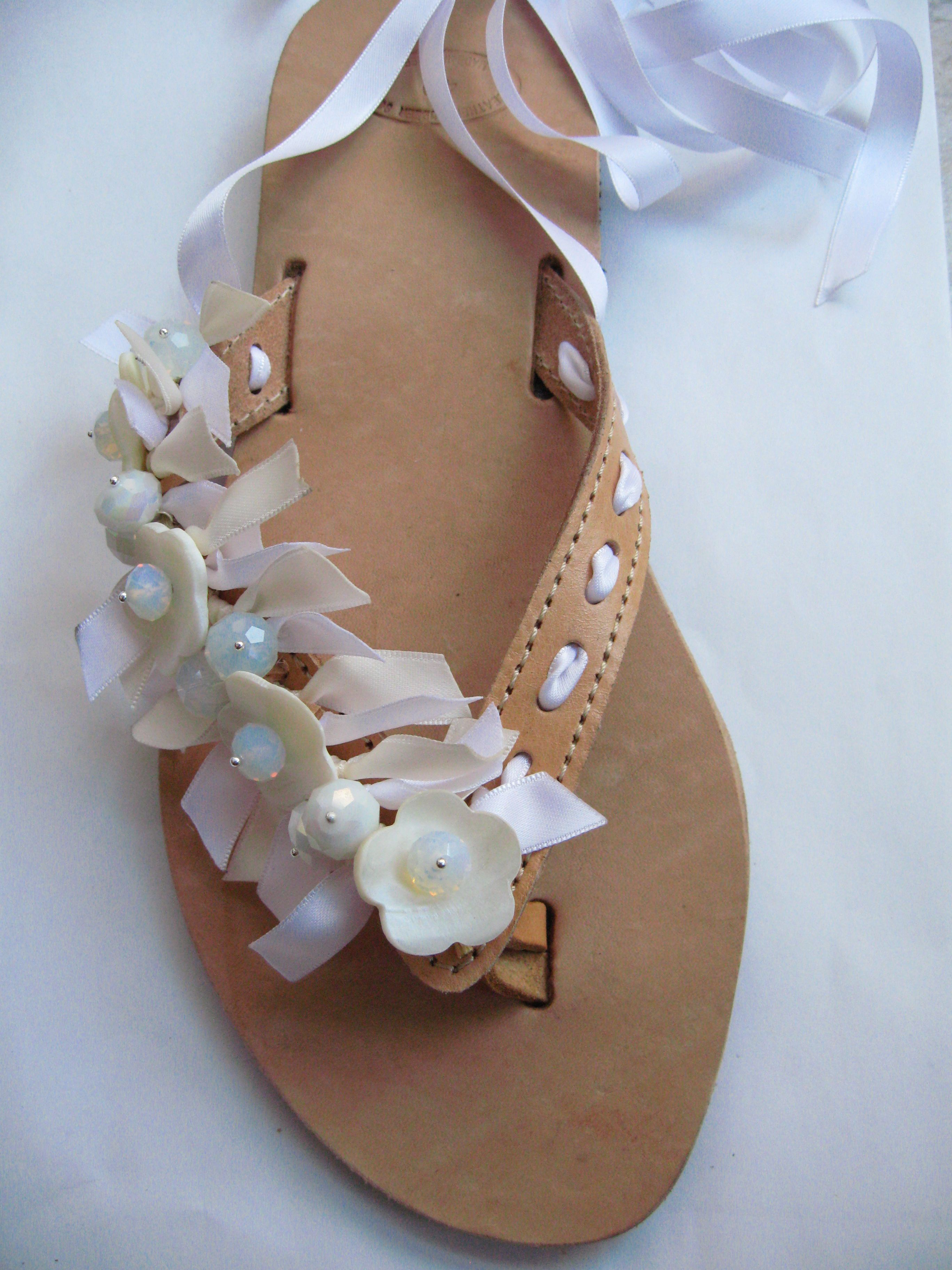 065d537b36f756 Bridal leather flipflops decorated with ribbon