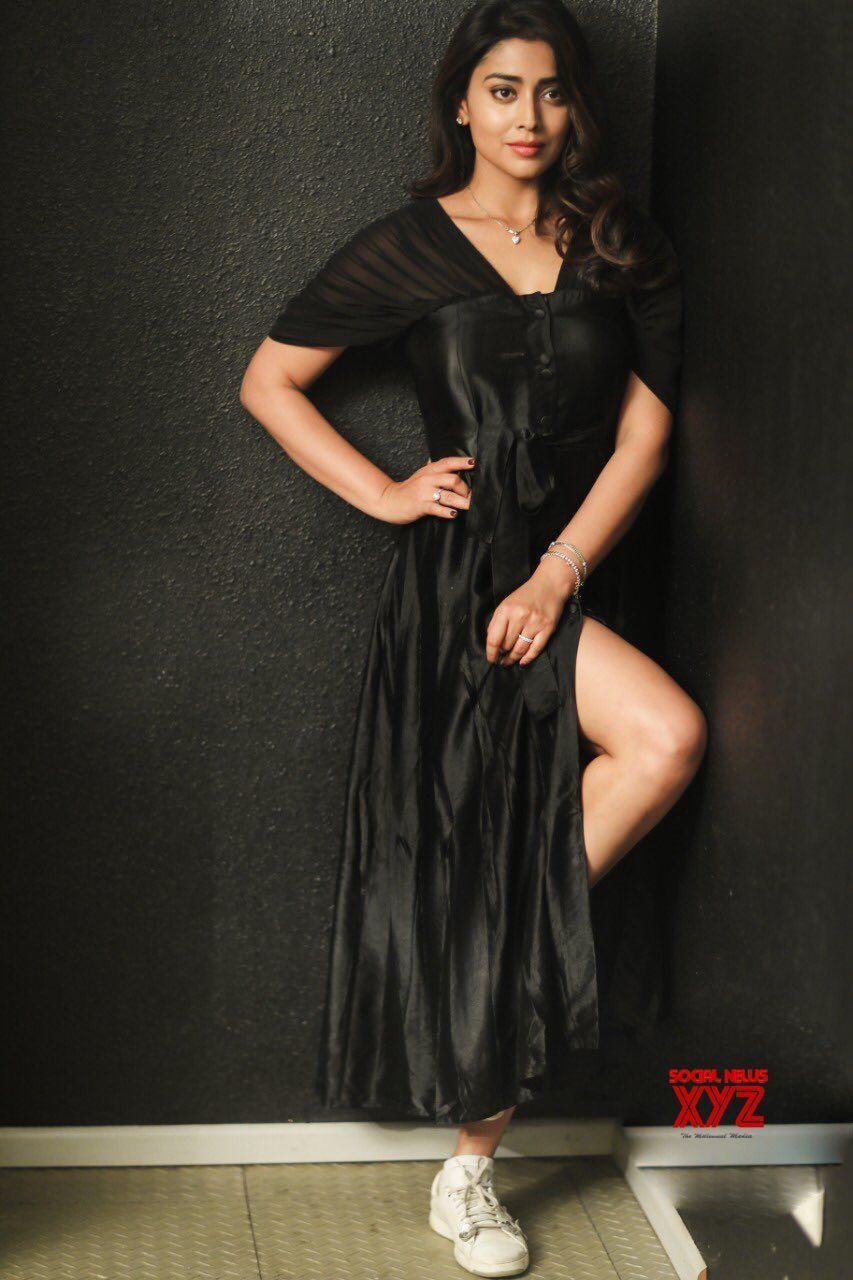 Actress Shriya Saran Latest Glam Stills Social News XYZ