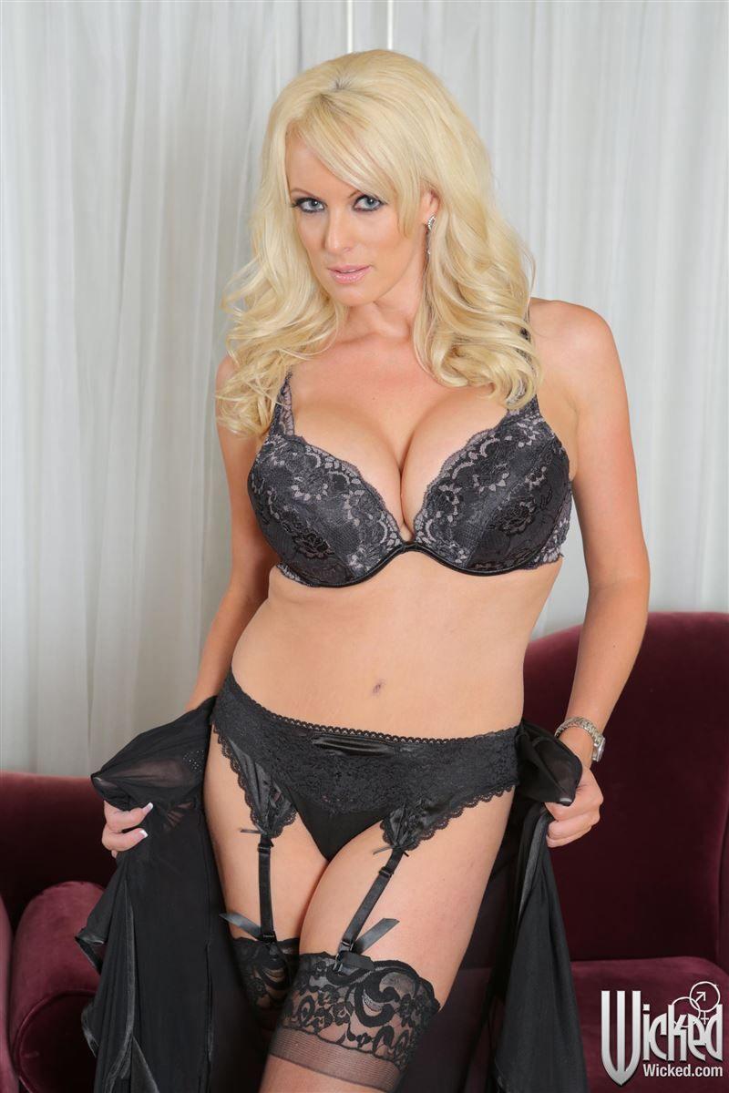 Jolene Van Vught Bikini