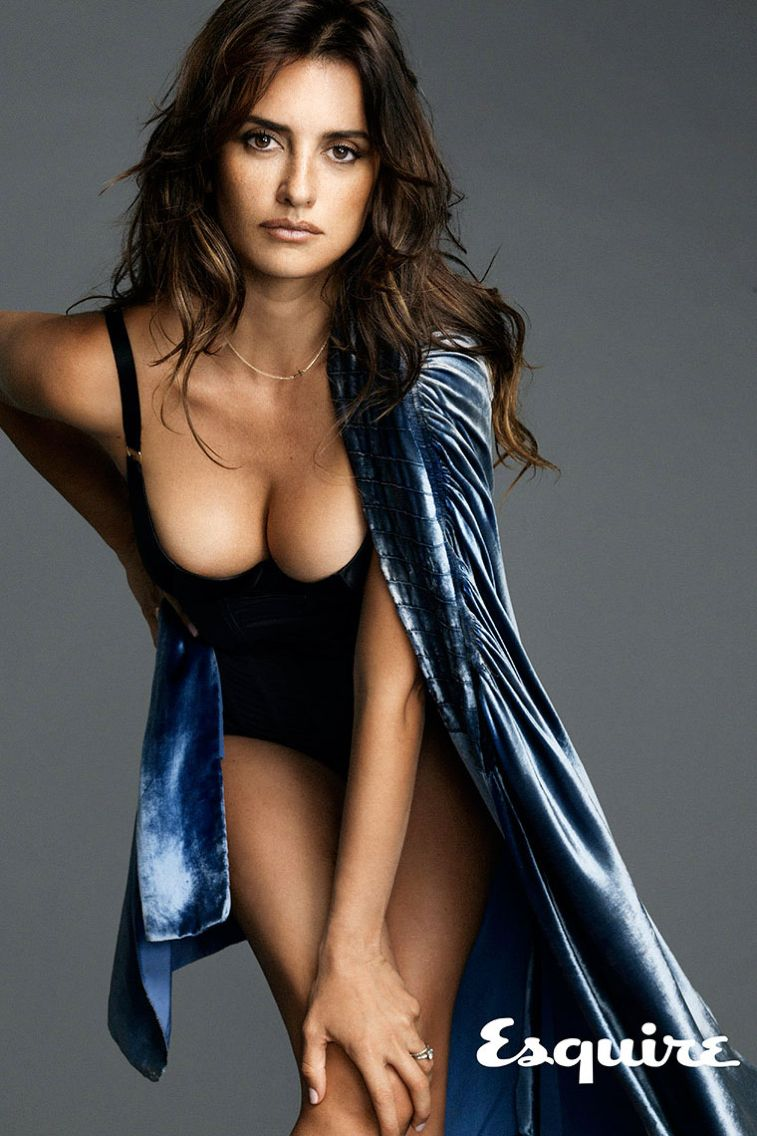 Sexiest woman alive 2014 Nude Photos 71