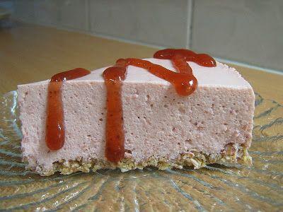 Mau!kas ruokablogi: Mansikkahyytelökakku