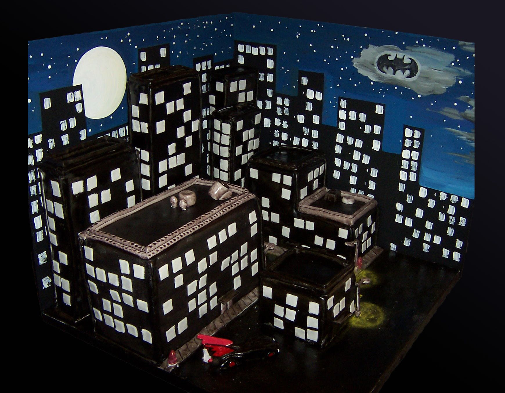 Superheroes Cakes Gotham City With All Edible Buildings
