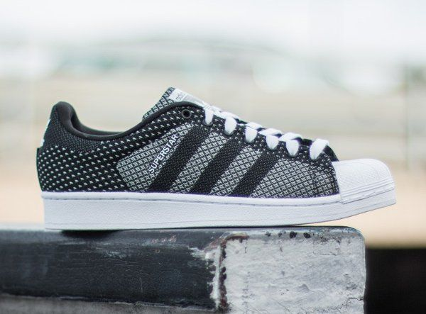 Découvrez la Adidas Superstar Weave Grey White, une basket