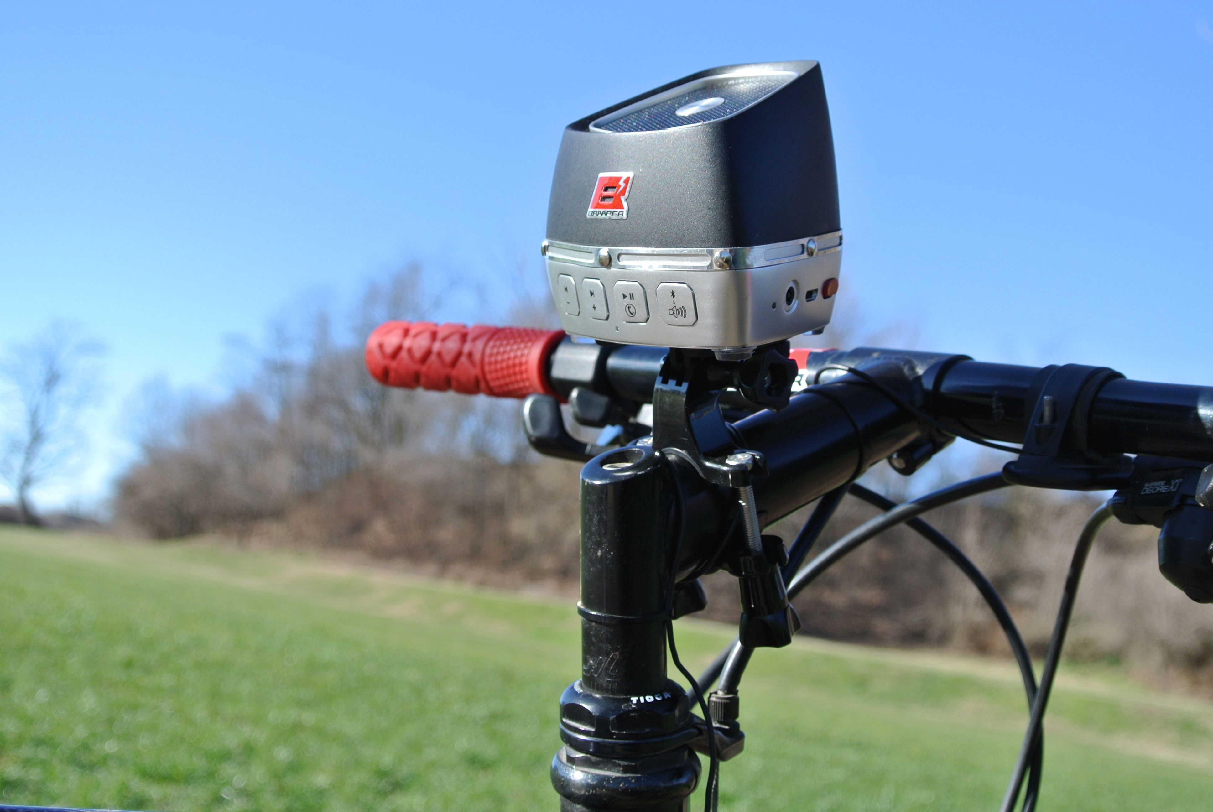 Use GOPRO support to attach Braaper on your bike.