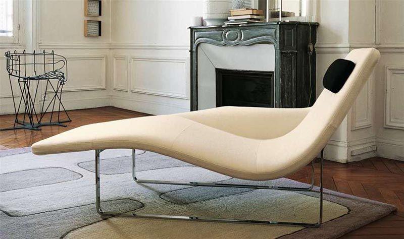Moderne Chaiselongue Als Poppiges Relaxmöbel Im Wohnraum