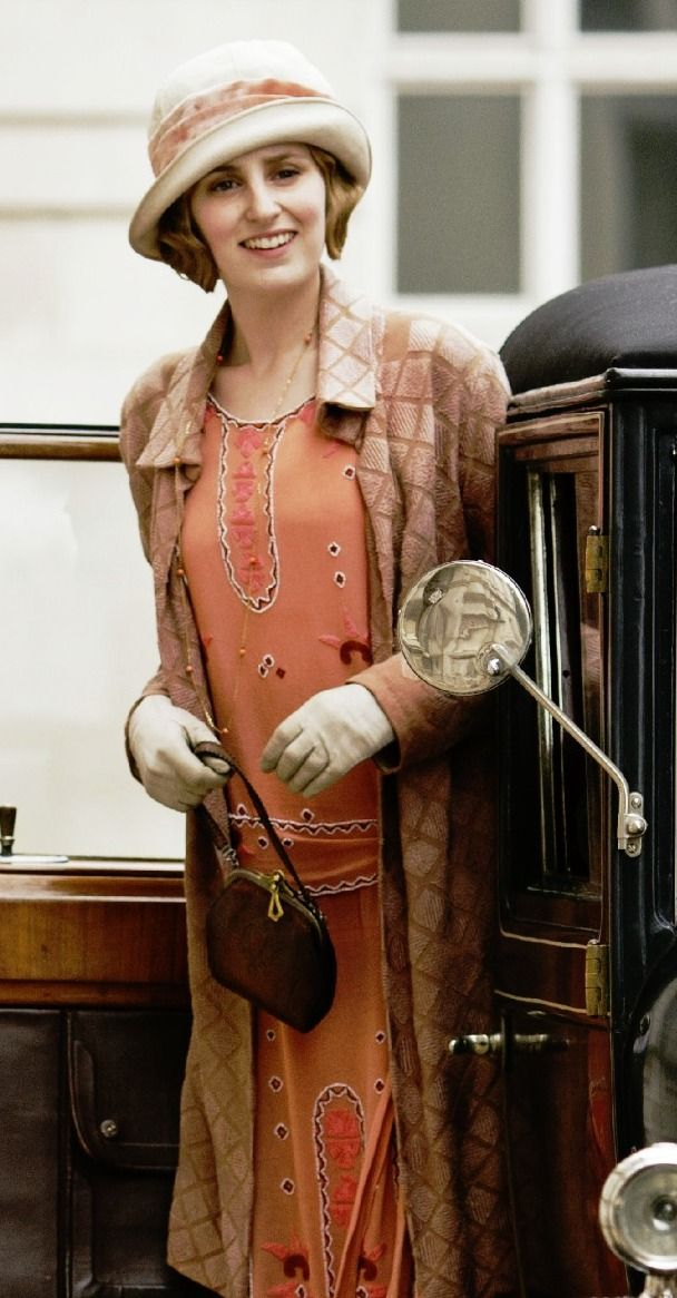 Poor Edith She Seems Destined To Little Happiness But Mary Doesn T Help Her Cause Love Edi Downton Abbey Fashion Downton Abbey Costumes 1920s Fashion