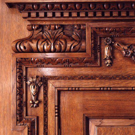 RT Carved detail of oak doorway-replica of original in Hatton Gardens & Hand-carved oak detail / https://www.pinterest.com/pin ...