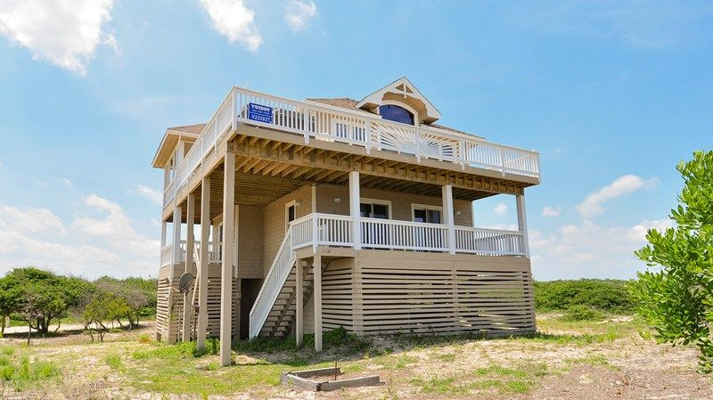 Twiddy Outer Banks Vacation Home - Ebb and Flow - 4x4 - Semi-Oceanfront - 3 Bedrooms