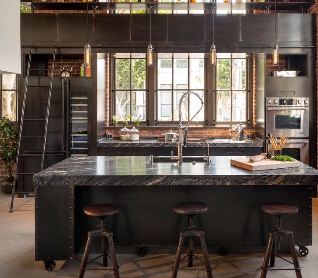Industrial kitchen // via Houzz | HOME • kitchen design | Pinterest ...