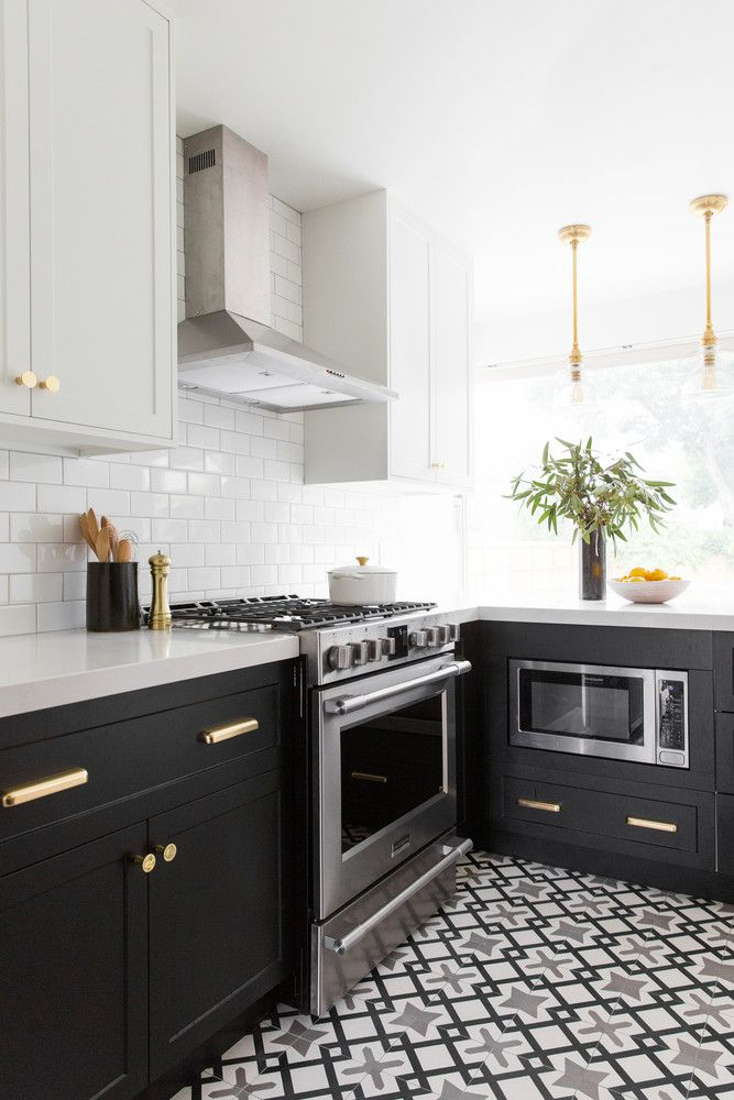 This Kitchen Makeover Is Proof That Small Spaces Can Be Elegant Kitchen Remodel Small Kitchen Interior Interior Design Kitchen